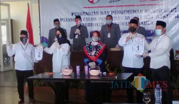 KPU Banyuwangi Bersama Dua Paslon Bupati-Wakil Bupati Banyuwangi Nurhadi Banyuwangi Jatim Times