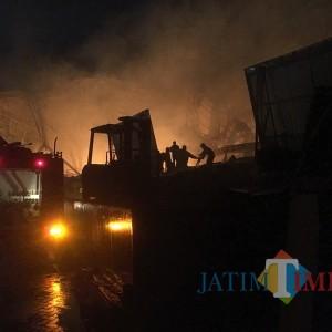 Kebakaran di PT Unirama Duta Niaga Diduga Telan Kerugian hingga Rp 25 Miliar
