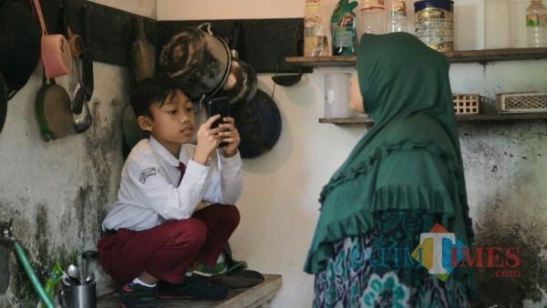 """Salah satu adegan dalam film """"Sinyal Nol Biji Nol"""". (Foto: Ilham for MalangTIMES)"""