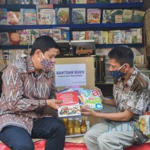 Dorong Minat Baca Anak Saat Pandemi, Wali Kota Kediri Bantu Taman Baca Kampoeng Jadoel