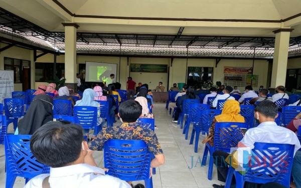 Ratusan peserta saat berkumpul di Kecamatan Kauman / Foto : Anang Basso / Tulungagung TIMES