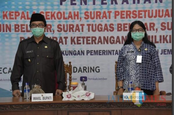 Wakil Bupati Jember Abdul Muqit Arief dan Kepala BKPSDM Yuliana Harimurti