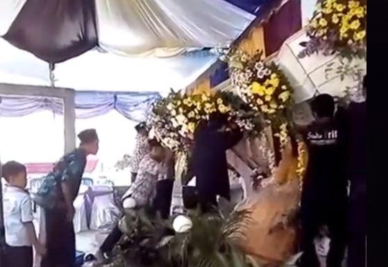Dekorasi Pernikahan Ambruk (Foto: TikTok @aylaputryanggara21)