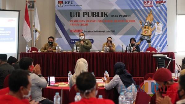KPU Kabupaten Kediri Gelar Uji Publik Data Pemilih dalam Pilkada 2020 pada Senin (28/9/2020). (Foto: Bams Setioko/ JatimTIMES)