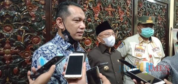 Wakil Ketua KPK RI, Nurul Ghufron didampingi Bupati Sumenep A. Busyro Karim (Foto: Ist/JatimTIMES)