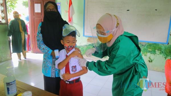 Anak SD Takut Jarum Suntik, Puskesmas Yosomulyo Laksanakan BIAS dengan Protokol Kesehatan