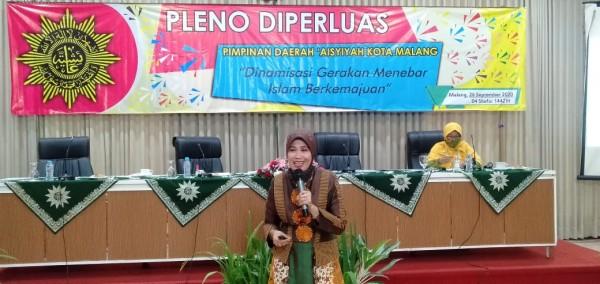 Kepala Dinas Pendidikan Kota Malang Dra Zubaidah MM. (Foto: Humas)