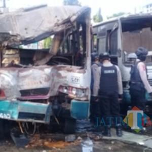 Garasi Bus Cendana Dilalap Si Jago Merah