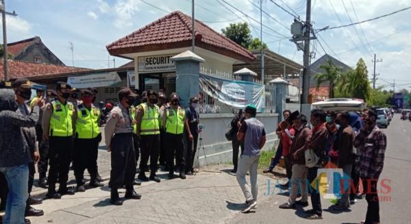 Listrik Sering Padam, Barisan Pemuda Bangkalan Demo PLN