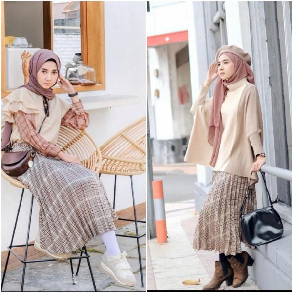 Inspirasi outfit hijab dengan plaid skirt. (Foto: Instagram @richaeu).