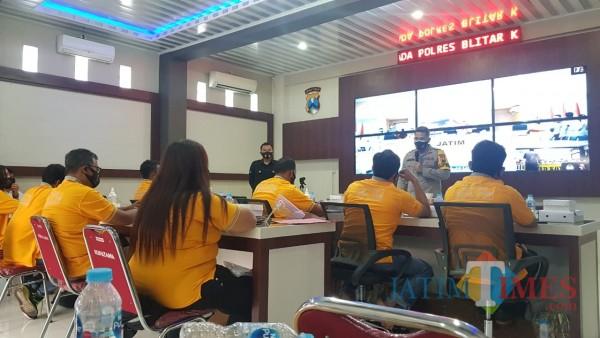 Kapolres Blitar Kota bersama Netizen ikuti Pembinaan Netizen  secara virtual