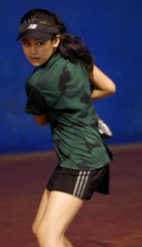 Masih 12 Tahun, Atlet Tenis Putri Cantik Ini Jadi Model Personal Branding Disporapar Kota Malang