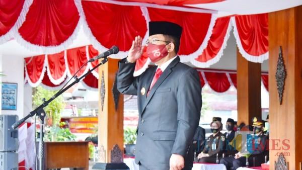 Pjs. Bupati Trenggalek Benny Sampirwanto saat pimpin upacara peringatan hari Kesaktian Pancasila