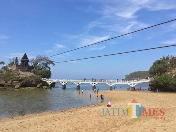Antisipasi Potensi Tsunami, Pemkab Malang Batasi Jumlah Pengunjung Wisata Pantai
