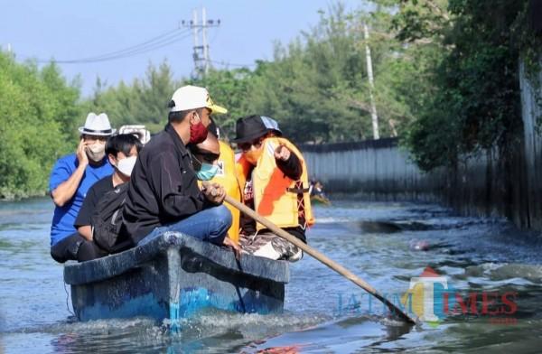 Susuri Sungai Wonorejo di Pamurbaya, Calon Wali Kota MA Terusik Limbah dan Sedimentasi