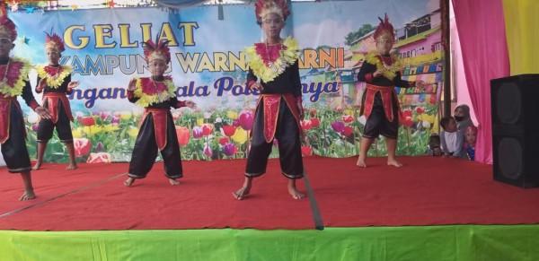 Anak-anak Kampung Warna-Warni Jodipan saat unjuk kebolehan menari (Istimewa).
