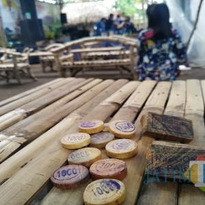 Nikmati Jajan Tradisional di Tulungagung Ini Bayar dengan Koin Kayu, Mau Tahu Tempatnya?