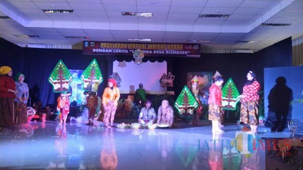 Pertunjukan legenda Desa Blimbing (Foto: Abror Rosi/JatimTIMES)
