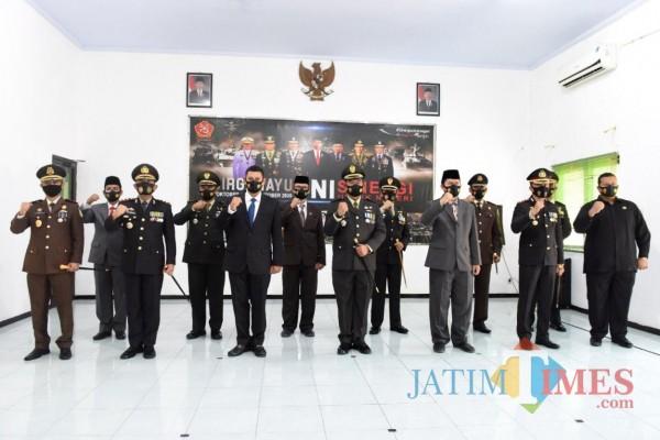 "Upacara peringatan HUT TNI dengan tema ""Sinergi Untuk Negeri"" dilakukan secara virtual. (Foto: Ist)"