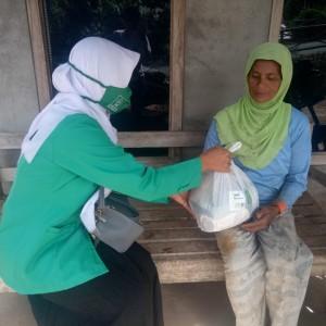 PC Fatayat NU Madiun Gelar Baksos, Sasar Perempuan Kepala Keluarga