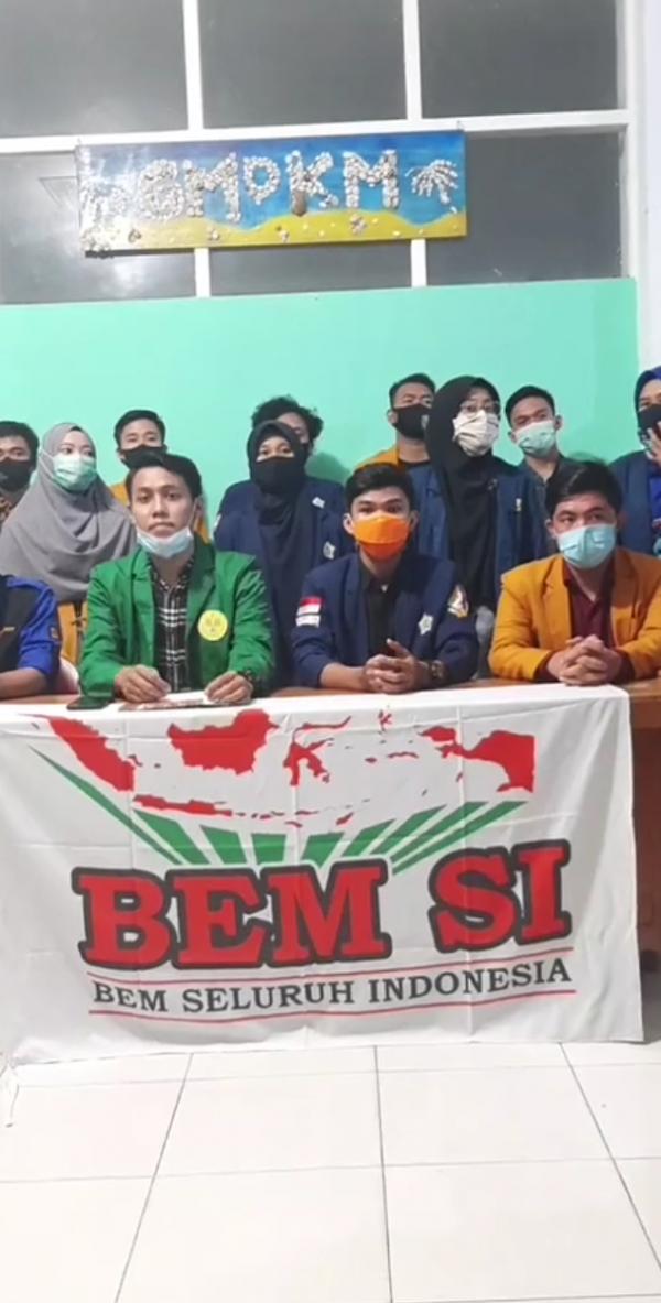 Konferensi pers BEM SI. (Foto: Dok JatimTIMES)