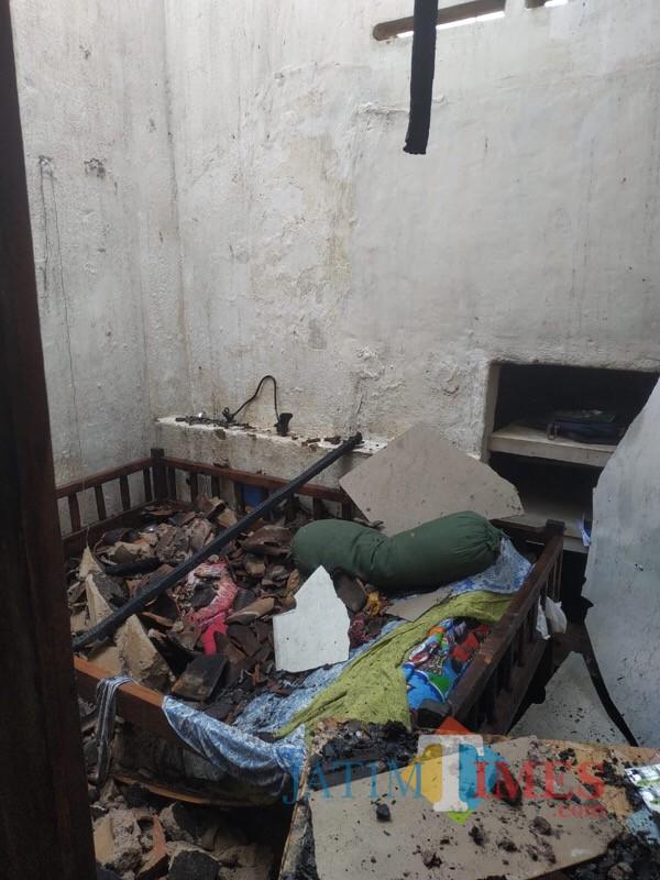 Kondisi kediaman  korban sesaat setelah  kebakaran berhasil dipadamkan. (Foto : PPK Kabupaten Malang for MalangTIMES)