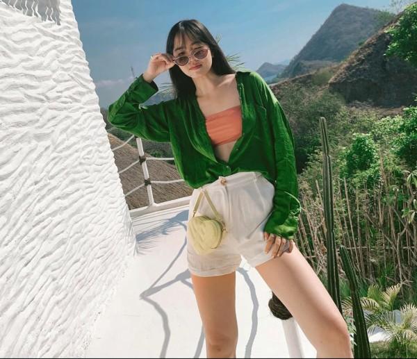 Kembali ke Fashion Jadul dengan Mix and Match Tube Top, Intip Inspirasinya Yuk