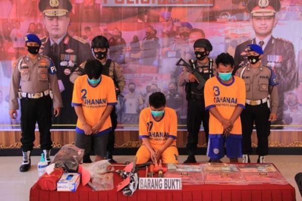 Kurang dari 24 jam, 3 Pembobol Brangkas Berhasil Diringkus Sat Reskrim Polres Madiun