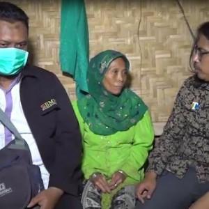 Sakit-sakitan Sebatang Kara, Nenek Ini Harus Cari Rumput dan Tinggal Serumah dengan Sapi Titipan