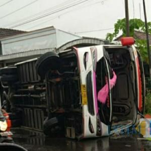 Breaking News, Bus Bagong Tergelincir di Jalan Raya Tulungagung-Kediri, Ini Videonya