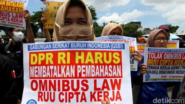 Demo tolak UU Cipta Kerja (Foto: detikNews)