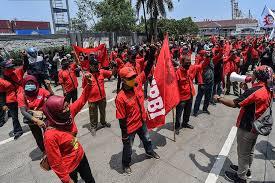 Demo buruh. (Foto: Kompas)