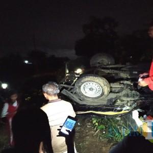 Terseruduk KA Barang, Pickup di Tulungagung Hancur, 2 Pengendara Menghilang