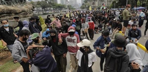 Aksi 1310 di sekitar Patung Kuda, Jakarta (Foto: CNN Indonesia)