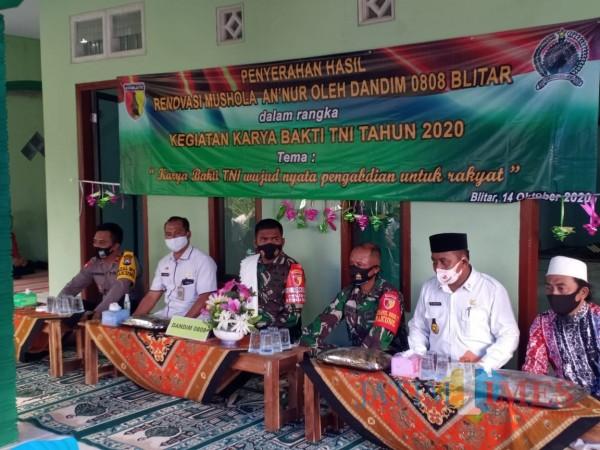 Dandim 0808/Blitar Letkol Arh Dian M meresmikan Musholla An-Nur di Desa Tumpak Kepuh