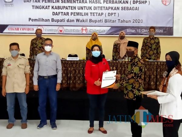 KPU Kabupaten Blitar menetapkan jumlah DPT pilkada Kabupaten Blitar dalam rapat pleno.(Foto : Aunur Rofiq/BlitarTIMES)