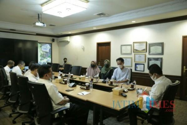 Pertemuan Bupati Lumajang dengan Tim Direksi dan Manajerial Cekstok (Foto : Kominfo / JatimTIMES)