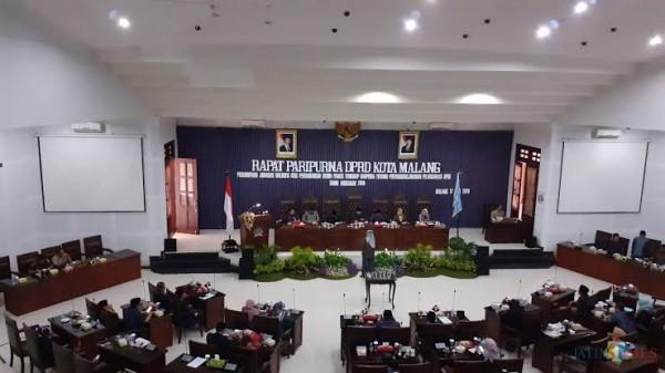Sidang paripurna di gedung DPRD Kota Malang beberapa saat lalu. (Dokumentasi MalangTIMES).