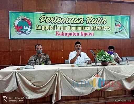 Pertemuan rutin anggota forum komunikasi KSP/KSPPS Kabupaten Ngawi di gedung serbaguna Notosuman. (Foto: Dokumen JatimTIMES)