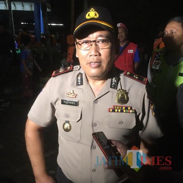 Kapolsek Bululawang, Kompol Pujiyono saat dikonfirmasi terkait hilangnya balita secara misterius (Foto : Ashaq Lupito / MalangTIMES)