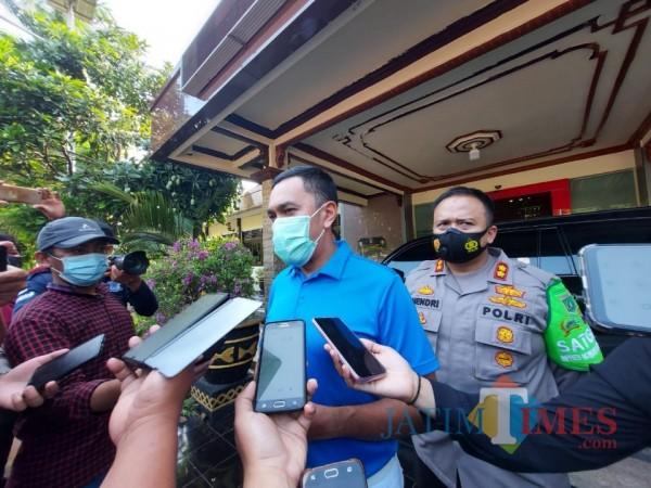 Wakil Ketua Komisi III DPR RI, Ahmad Sahroni ketika ditemui awak media di Mapolres Malang, Jumat (16/10/2020). (Foto: Tubagus Achmad/MalangTimes)