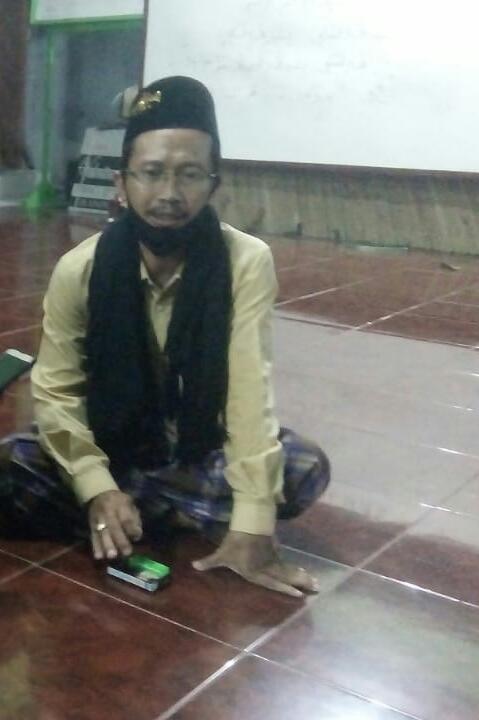 K. H. Abdul Adhim A. saat diwawancarai MojokertoTIMES (Foto: MojokertoTIMES)
