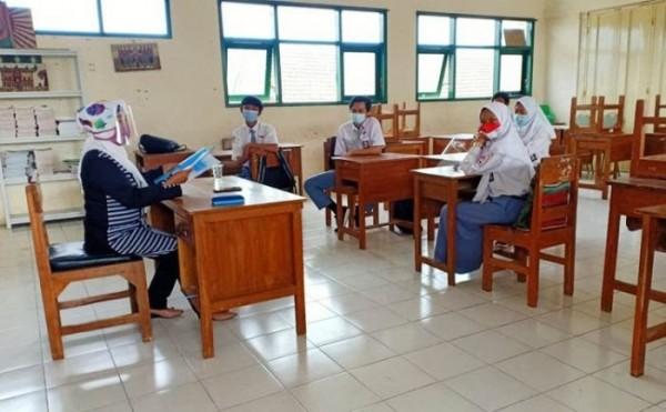 Pembelajaran uji coba tatap muka di SMKN 2 Kota Batu. (Foto: istimewa)