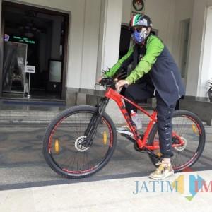 Sisi Lain Wali Kota Malang: Hobi Bersepeda, Sutiaji Sempatkan Tinjau Fasilitas Umum