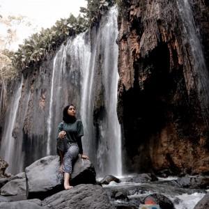 Indahnya Air Terjun Purba Tirai Bidadari di Probolinggo, Ada Lorong Stalaktit Mirip Gua