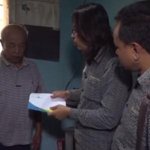 Kisah Haru Kakek Sebatang Kara di Rumah Sempit nan Kotor