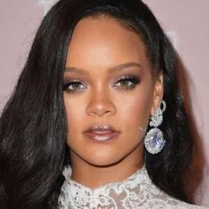 Rihanna Masuk Jajaran Wanita Terkaya Versi Forbes, Berapa Total Kekayaannya?