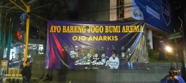 Bendera Aremania Berjajar di Rute Demo Tolak UU Cipta Kerja, Ada Apa?