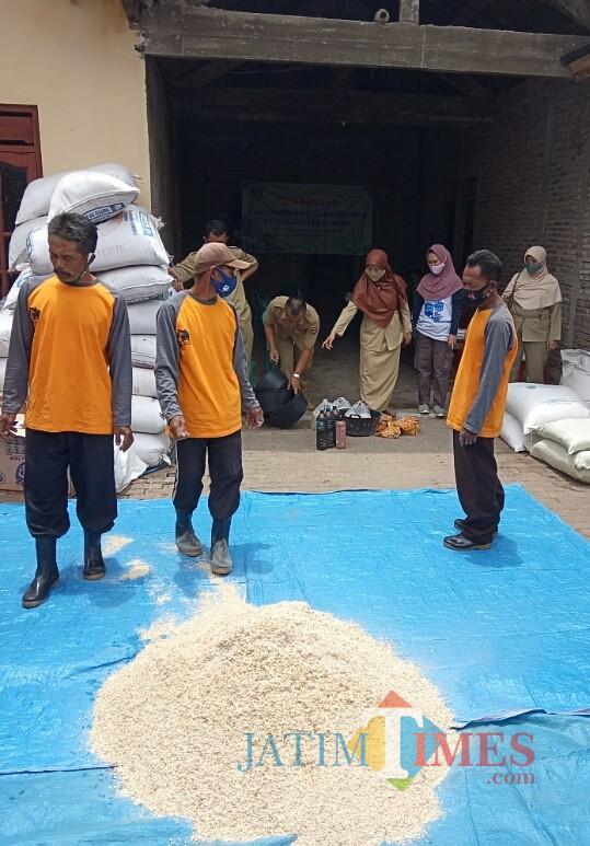 Dinas Pertanian Kabupaten Ngawi Adakan Pelatihan Pembuatan Pakan Ternak