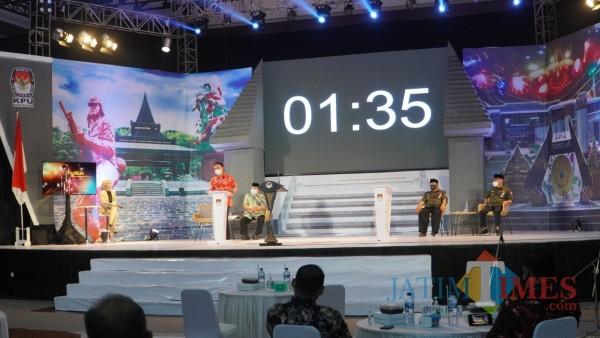Debat paslon perdana pilwali Kota Blitar.